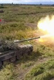 В пику сухопутной части натовских учений Sea Breeze российский АК ЧФ проводит стрельбы из танков и артиллерии в Крыму