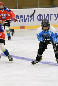Хоккеисты из Митинского детского дома взяли золото на благотворительном турнире по хоккею «Пасуй в будущее»
