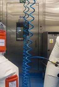 В США  многие придерживаются теории об искусственном происхождении коронавируса