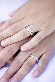 Юристы рассказали, как мошенники могут воспользоваться отменой штампа о браке и детях в паспорте