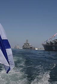 Россия отметила торжествами по всей стране 325-летие со дня образования своего военного флота