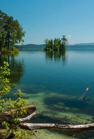Минприроды: около 130 покрышек от машин нашли на дне озера «Тургояк»