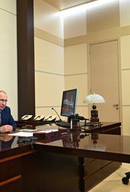 Путин сегодня поручил досрочно начать единовременные выплаты на школьников по 10 тысяч рублей