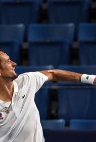 Даниил Медведев в матче 1/4 финала уступил испанцу Пабло Карреньо-Бусте