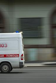 В Москве мальчик на самокате попал под колёса такси и получил травмы головы