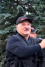 Лукашенко говорит о возможном размещении войск РФ в Белоруссии, в Кремле об этом не знают