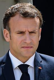 Макрон заявил, что санитарные пропуска во Франции вступят в силу, несмотря на протесты