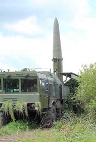 «Искандеры» условно уничтожили скопление боевой техники НАТО в момент выгрузки на берег с десантных кораблей