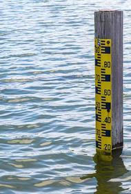 Уровень воды в Байкале впервые за последние годы начал вызывать опасения