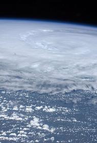 В Японии вынесли предписание об эвакуации около 160 тысяч человек в связи с прохождением тайфуна