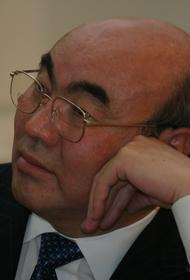 Экс-президент Акаев отправился из Киргизии в Москву после допросов