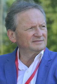 Бизнес-омбудсмен Титов, комментируя идею повысить МРОТ до 20 000 рублей, заявил о необходимости органического роста зарплаты