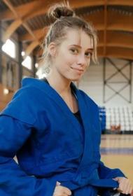 Олимпийская чемпионка по художественной гимнастике Вера Бирюкова провела тренировку по самбо