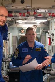 «Дырку в космосе пыталась просверлить явно американская женщина»
