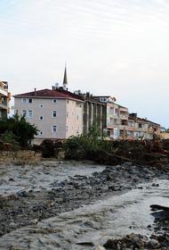 Количество жертв наводнений в Турции увеличилось до 27