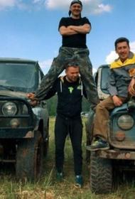 В Бахчисарае журналистам крымского ТВ пришлось вызывать полицию из-за конфликта с местными гидами на джипах 
