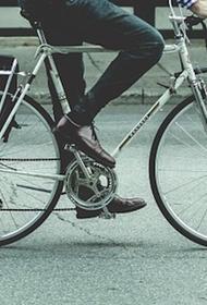 На западе Москвы образовалась пробка длиной в 4,7 километра из-за ДТП с пьяным велосипедистом