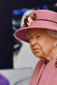 The Sun: Елизавета II собирается подать в суд на принца Гарри