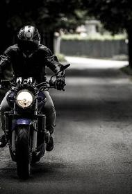 В Свердловской области несовершеннолетний мотоциклист без прав сбил семью из четырех человек