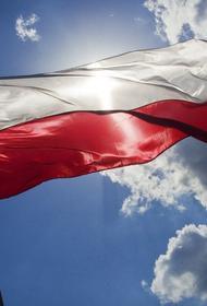 В Польше пограничники задержали 13 человек, которые разрушили строящееся заграждение на границе с Белоруссией