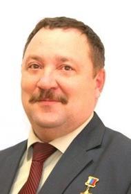 В Екатеринбурге на 55-м году жизни умер Герой России Роман Шадрин