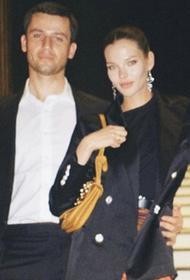 Алеся Кафельникова опубликовала новую фотографию с мужем