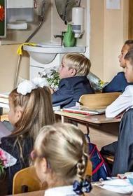В Роспотребнадзоре сообщили об усилении мер по профилактике COVID-19 в школах с 1 сентября