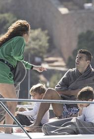 Яхта в Испании: Шакира отдохнула с мужем Жераром Пике и детьми