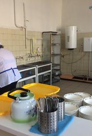 В селе Хабаровского края школьников кормили просроченными продуктами