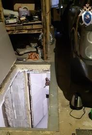 СКР: В Нижегородской области мужчина похитил девушку и девять дней держал ее в подвале гаража, он задержан