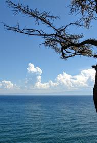 Опрос показал, что Байкал оказался на втором месте в рейтинге популярных озер РФ для осеннего отдыха