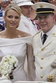 Слухи о разводе: князь Монако Альбер II прокомментировал информацию о расторжении брака с княгиней Шарлен