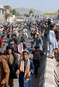 Times: В Афганистане мужчина готов продать свою четырехлетнюю дочь за 590 долларов, чтобы его семья не погибла от голода
