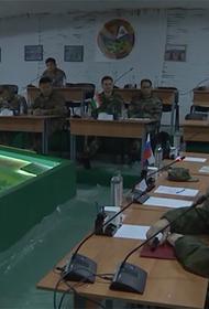 На ССУ «Запад-21» отрабатывают деятельность штаба и органов управления, а также практические действия войск