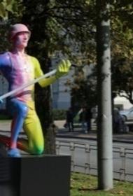 В Латвии установили новый «художественный объект»