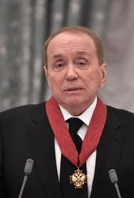 Телеведущий Александр Масляков назвал украинского президента Владимира Зеленского управляемой куклой