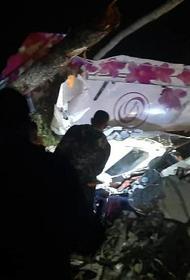 Троих пострадавших при жесткой посадке самолета L-410 в Приангарье отправили в Иркутск
