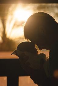 Экономист Остапкович поддержал идею выдавать маткапитал отцам