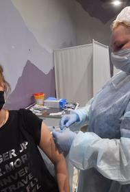 В России предложили обязать работодателей давать три выходных после прививок