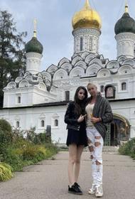 Волочкова возмутила общественность снимками у храма