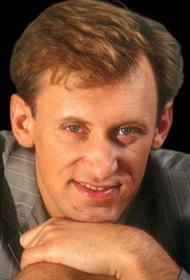Холост, поэтому счастлив: Сергею Дроботенко 52 года