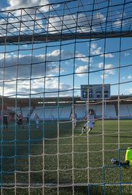 Футбольный клуб «Челябинск» сыграет с прямым конкурентом