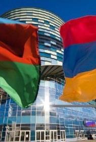 Армяне обвиняют власти в сдаче территорий