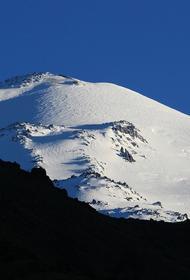 Спасателям удалось обнаружить потерявшегося на Эльбрусе альпиниста из США