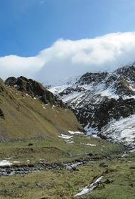 В МЧС сообщили о гибели пяти альпинистов на Эльбрусе, 14 человек спасены