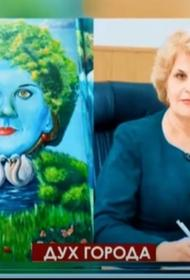 В Алуште гадают, какое отношение к мэру города имеет портрет женщины в стиле стрит-арт