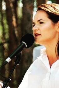 Лукашенко заявил, что Тихановская сама просила доставить ее на границу с Литвой: «Клянусь детьми, никуда не бежала»