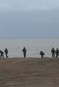 Морская пехота ЧФ на манёврах взломала противодесантную оборону условного противника, на фоне учений ВСУ