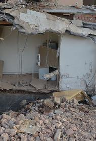 В Батуми спасатели вывели из-под завалов разрушенного дома женщину