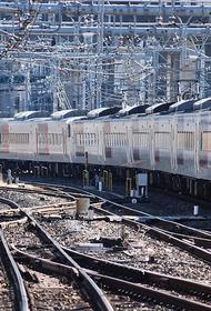 Из-за отключения электричества в Токио произошла масштабная остановка поездов